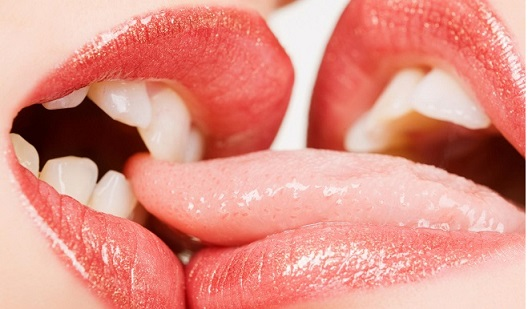 French Kiss - 6 Steps On The Art Of French Kissing #FrizeMedia