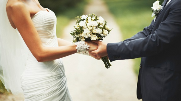 Wedding - 4 Tips to Help Write Personal Wedding Vows #FrizeMedia