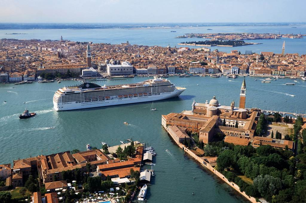 A Mediterranean cruise is without doubt the most varied type of cruise available. with more than 120 seaports around the Med.